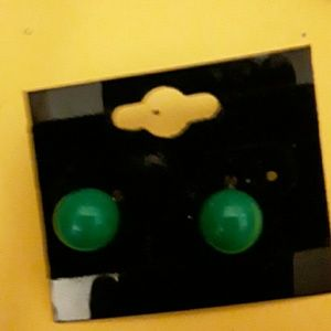 Vintage 8mm green lucite ball bead post pierce ear